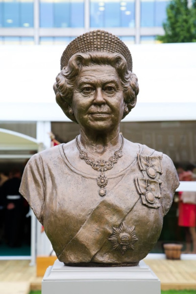 The Queen's Sculpture/Bust