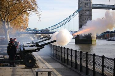 Prince of Wales  70th Birthday Gun Salute  12