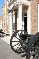 THE HAC Armoury House Main entrance guns